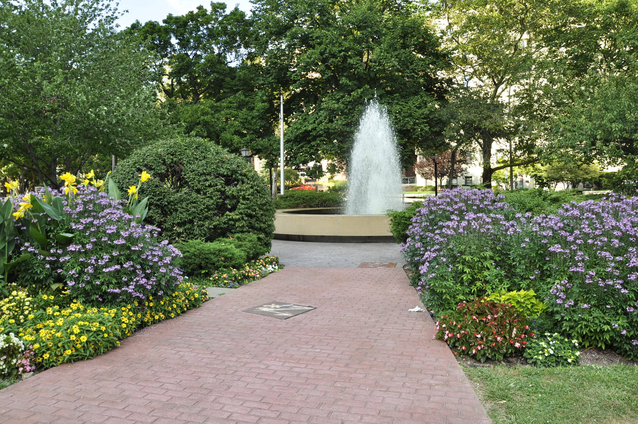 tibbits fountain garden